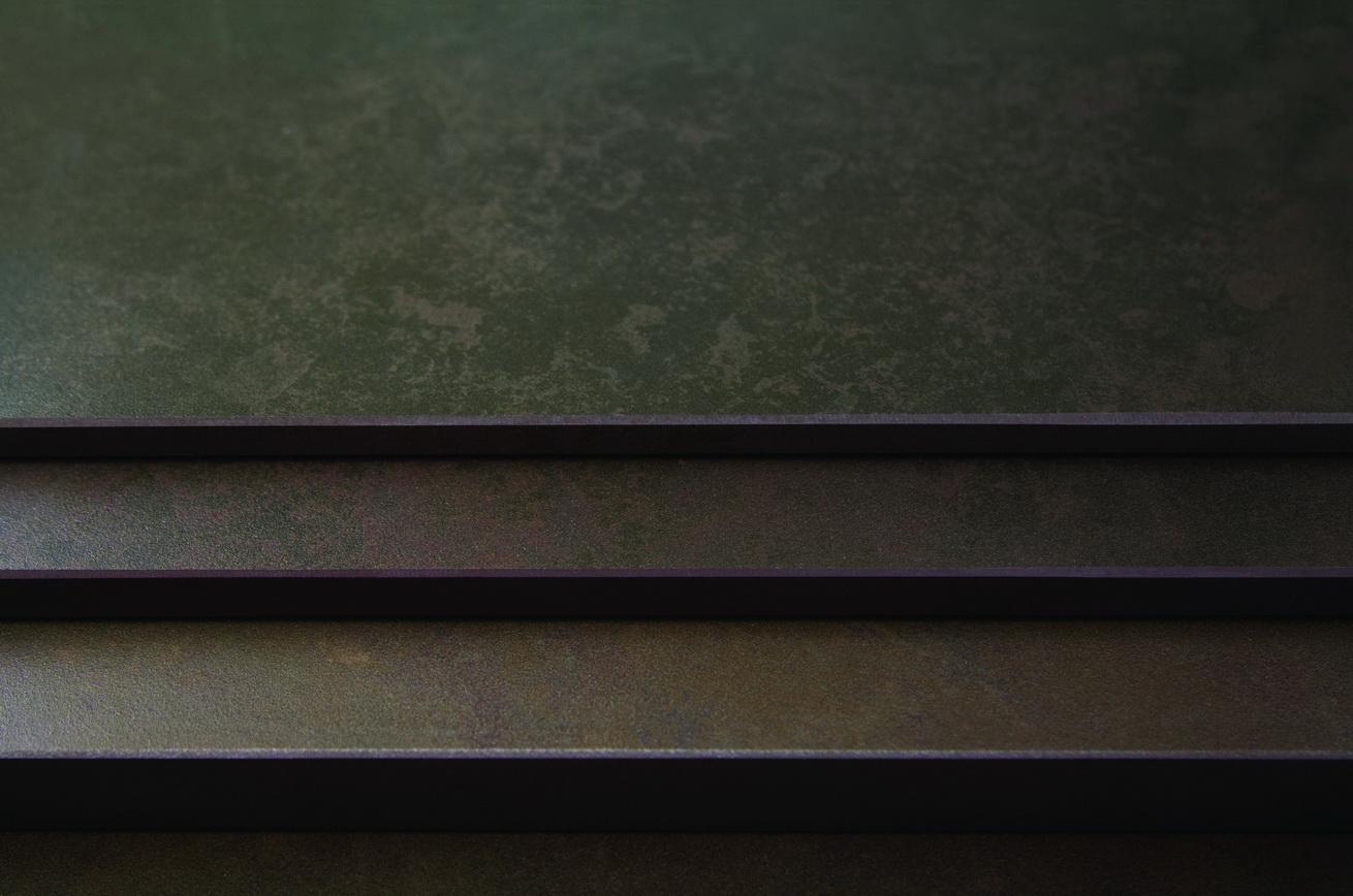 חיפוי מדרגות משטח דקטון