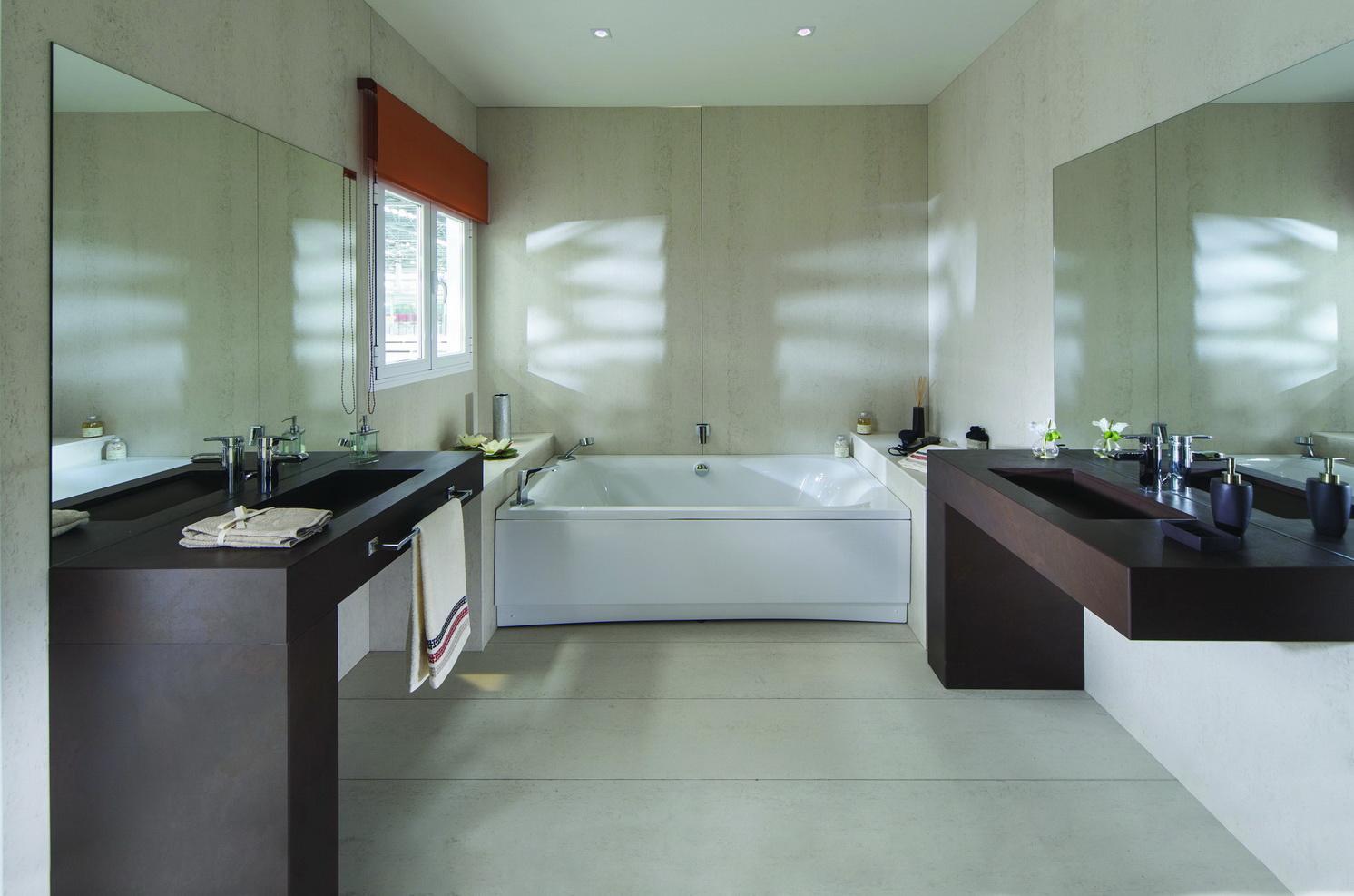 חיפוי אמבטיה לבן- משטח דקטון