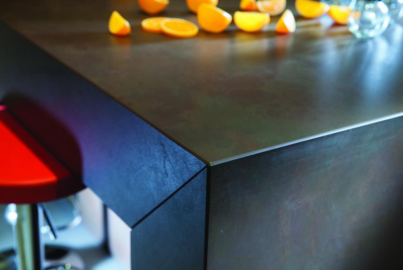 משטח דקטון שחור למטבח