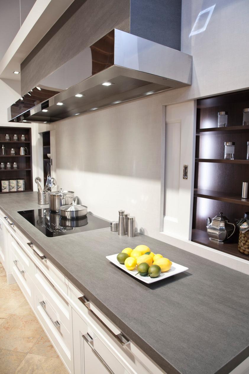 מטבח מודרני- עבודות נאוליט- משטח נאוליט אפור עכבר מט