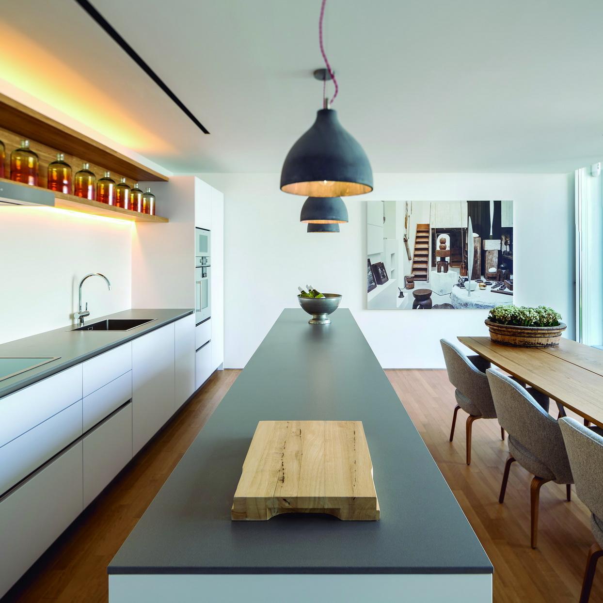 מטבח מודרני- משטח נאוליט במרכזו
